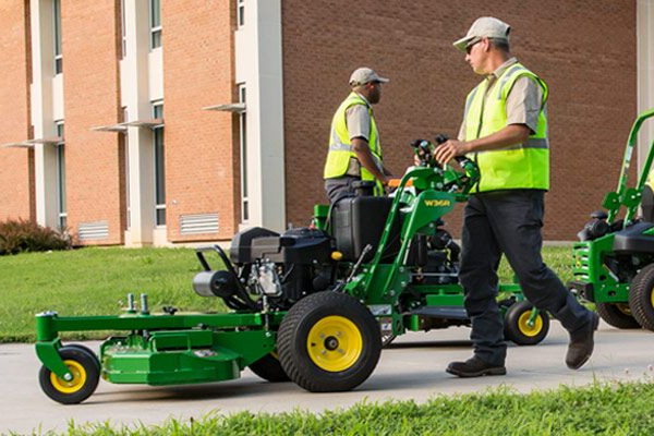 JD-CommercialMowers-2019.jpg