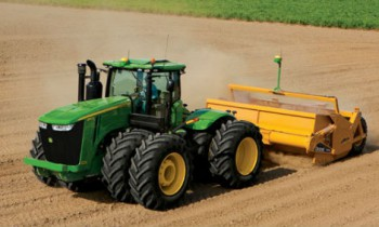CroppedImage350210-JohnDeere-9460RSS-2015.jpg