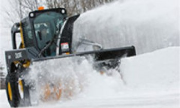 CroppedImage350210-JohnDeere-SnowBlower.jpg